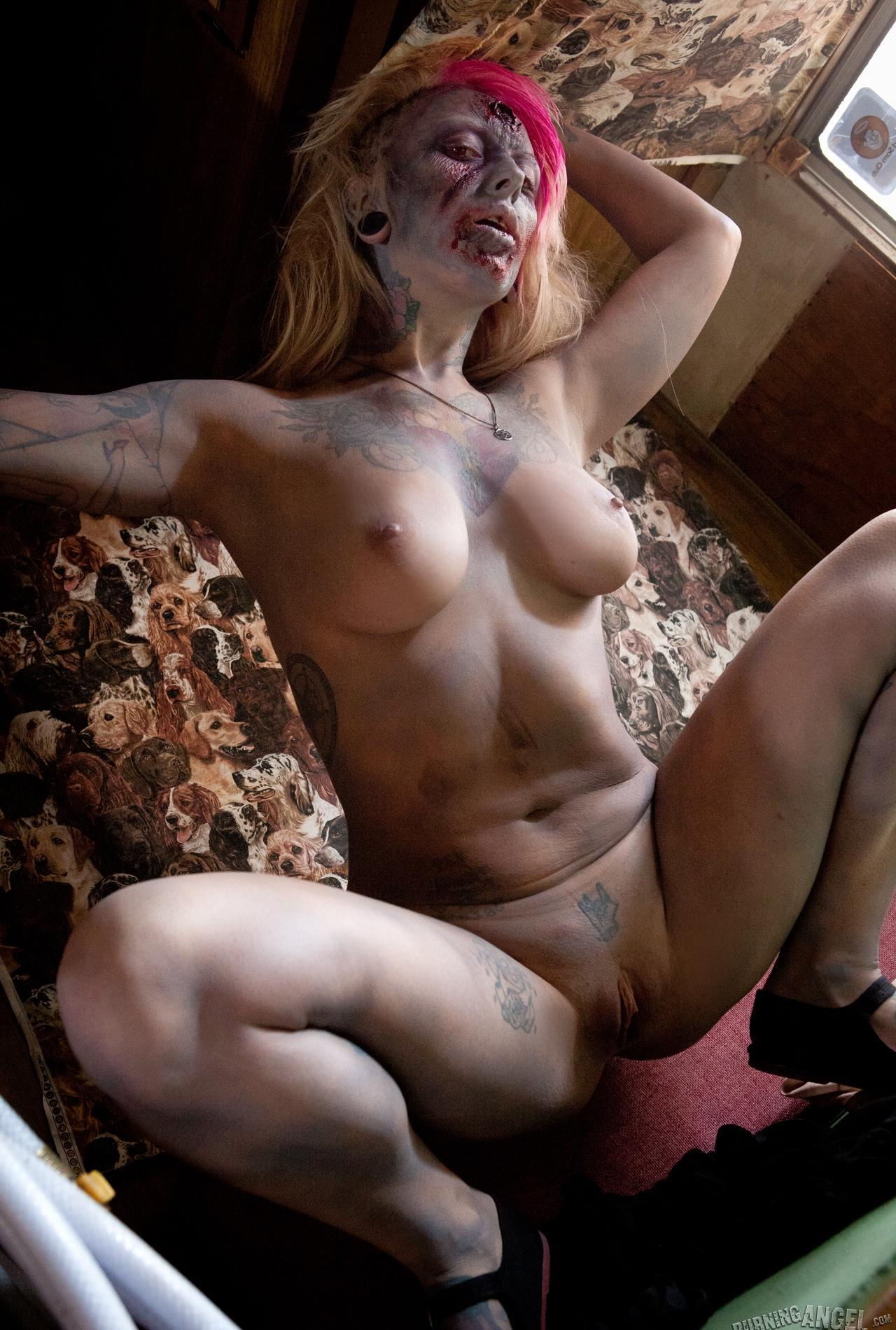 xxx naked female zombies