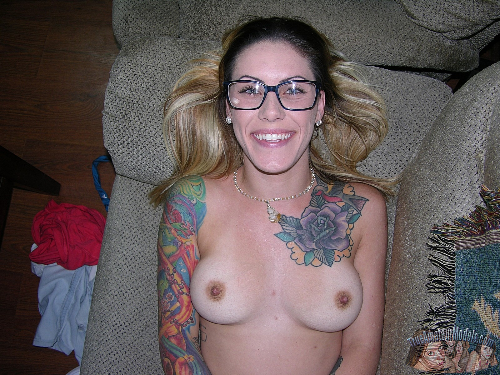 sexy bookworm from midwest thinks she has serious chances in amateur model business #6
