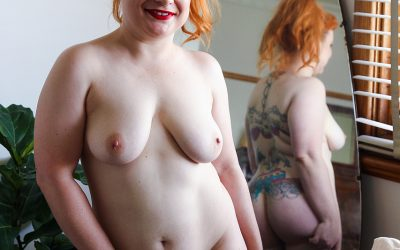 This redheaded ex-girlfriend is a little fatty she  might not be a dreamgirl but she can fuck well